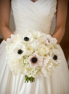 Весільний букет з анемонів