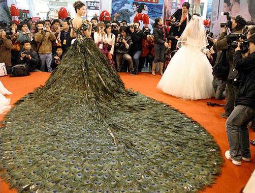 гарна весільна сукня