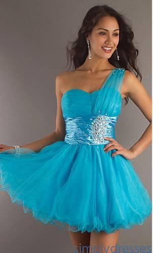 Плаття та сукні короткі вечірні